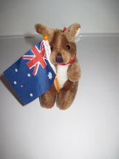Mini plüss kenguru ausztrál zászlóval