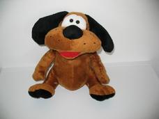 Interaktív zenélő fülét emelgető barna plüss kutya