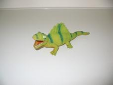 Gumiból készült zöld hátgerinces gyík spinosaurus