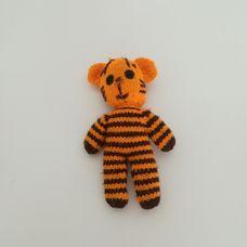 Horgolt csíkos tigris figura