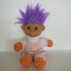 Zölden világító szemű lila hajú troll baba