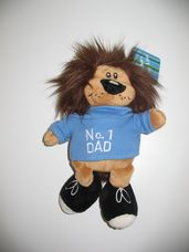 Kék pulcsis oroszlán plüss legjobb apa felirattal