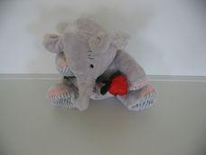 Elliot plüss elefánt rózsaszállal
