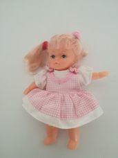 Oscar Creation kislány hajasbaba rózsaszín ruhában