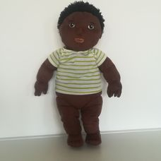 Nagyméretű valósághű fekete bőrű fiú rongybaba