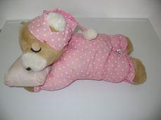 Interaktív horkoló plüss maci rózsaszín hálóruhában
