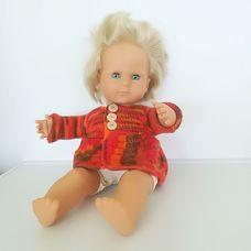 Retro Zapf kék szemű alvós szőke hajú baba kötött ruhában