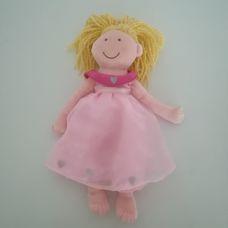 Tesco halvány rózsaszín szatén estélyi ruhás rongybaba