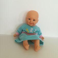 Interaktív puha törzsű csecsemő baba kék ruhácskában