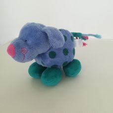 Tesco csörgős pöttyös kék plüss kutyus