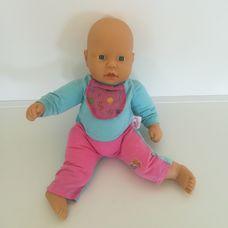 Zapf Baby Chou Chou csecsemő baba eredeti rugdalózójában
