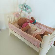 Zapf Baby Annabell interaktív baba zenélő babaággyal