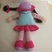 Tesco kék rózsaszín ruhás barna hajú rongybaba