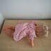 Szőke hajú retro baba rózsaszín mintás ruhácskában