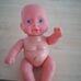 Duci pici csecsemő baba ruha nélkül