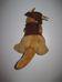 Aussie born barna kalapos és mellényes plüss kenguru