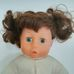 Bayer Design interaktív barna göndör hajú kislány baba
