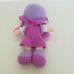 B&M lila hajú lila ruhás rongybaba