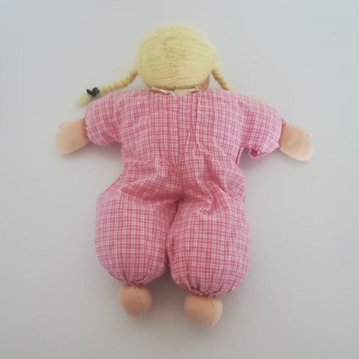 ... Kézműves Waldorf baba szőke hajjal rózsaszín ruhában 3a847e5c2b