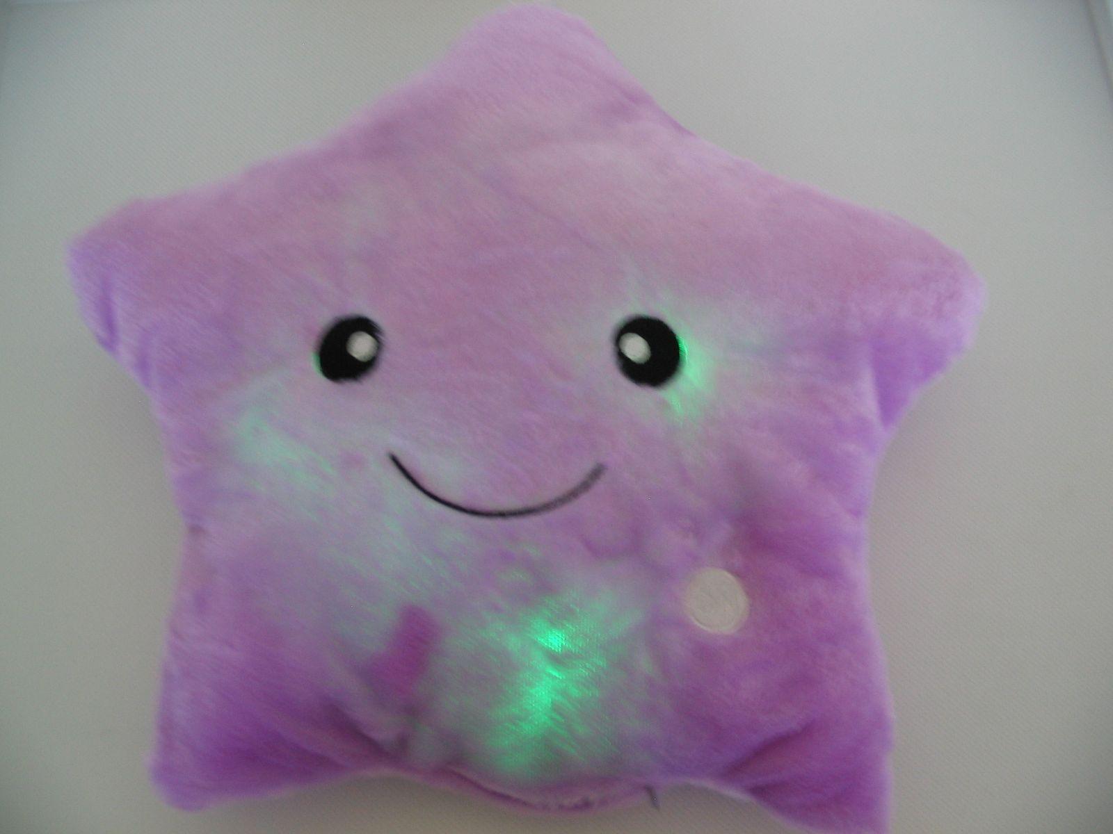 ... Csillag alakú lila világítós plüss párna ... 3b9b96ee6c