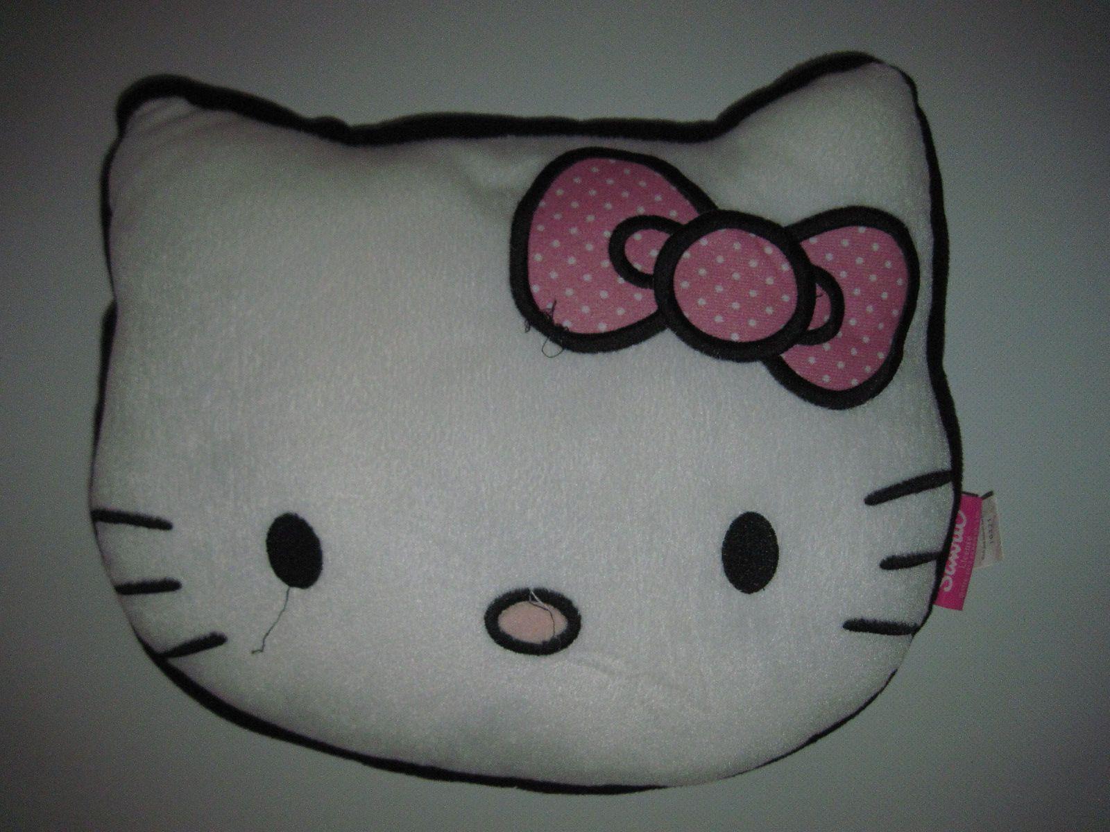 ... Hello Kitty cicafej formájú plüss párna ... 6cf5dbee47